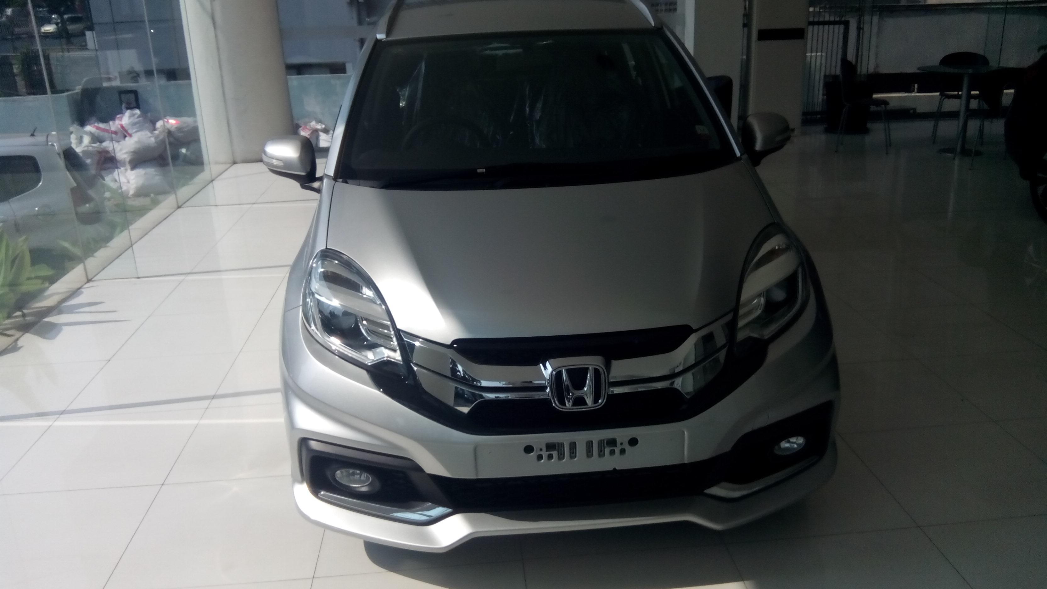 Spesifikasi Honda Mobilio E Mt | harga honda mobilio ...